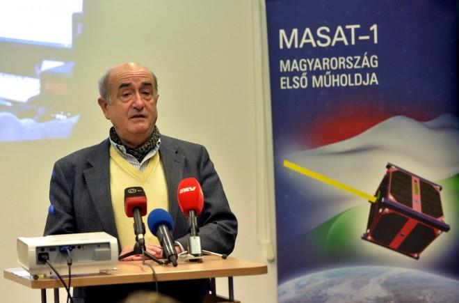 Ég veled, MASAT-1!