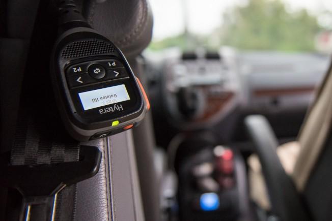 Tilos-e rádiózni vezetés közben?